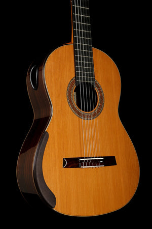 William Falkiner Lutherie Cedar / Rosewood Classical Guitar