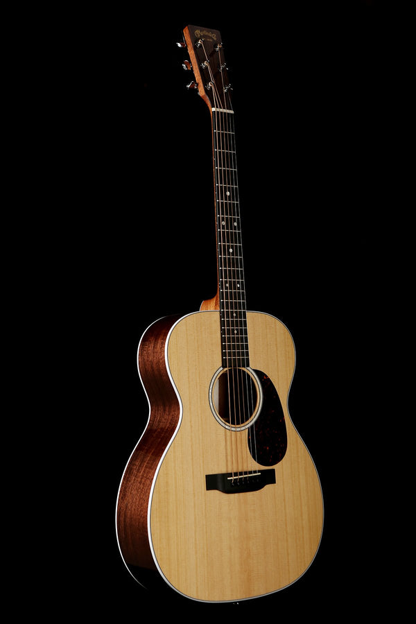Martin 000-13E Acoustic Electric Guitar: Road Series