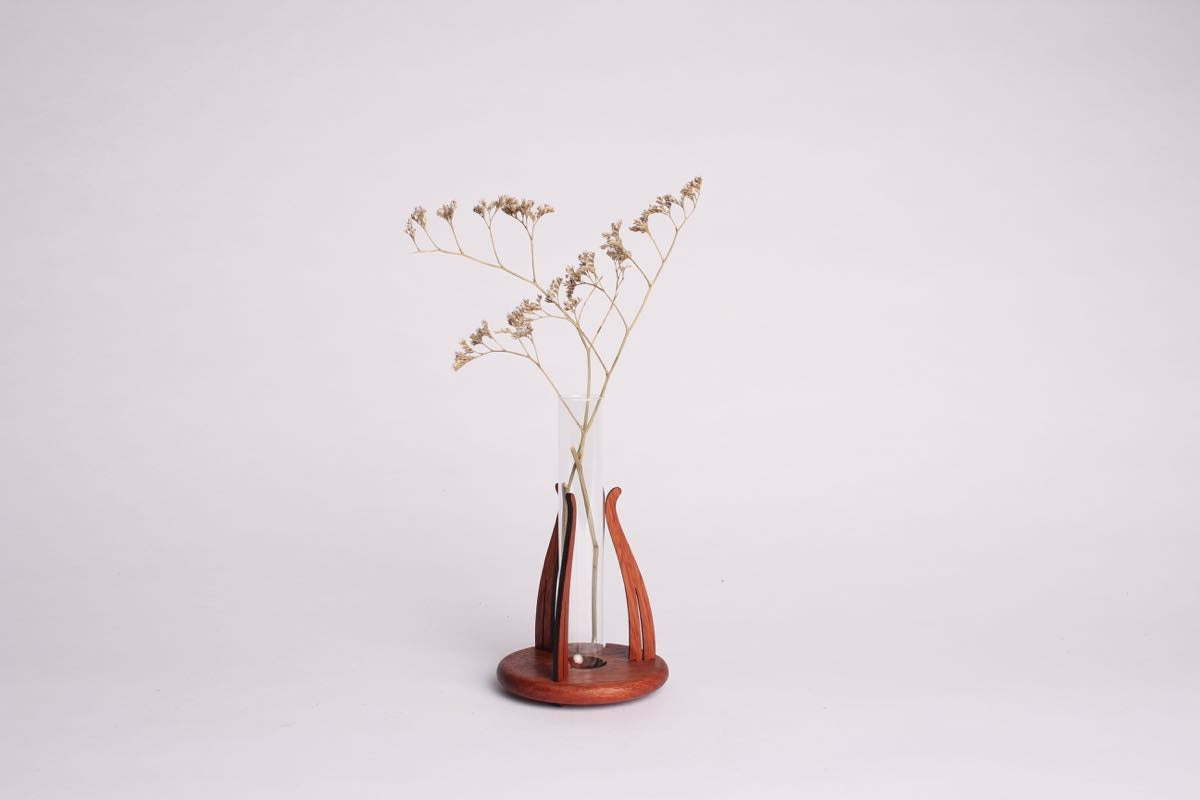 TENDRIL VASE