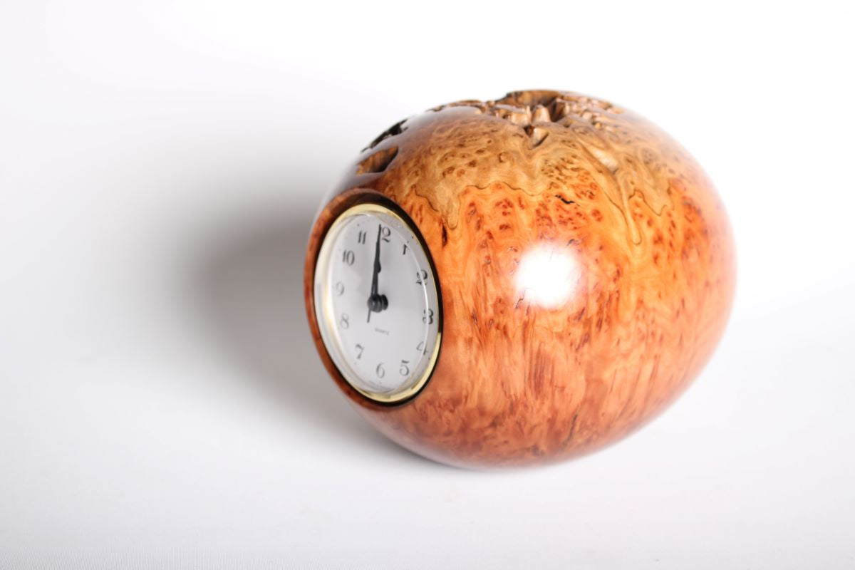 EYEBALL CLOCK