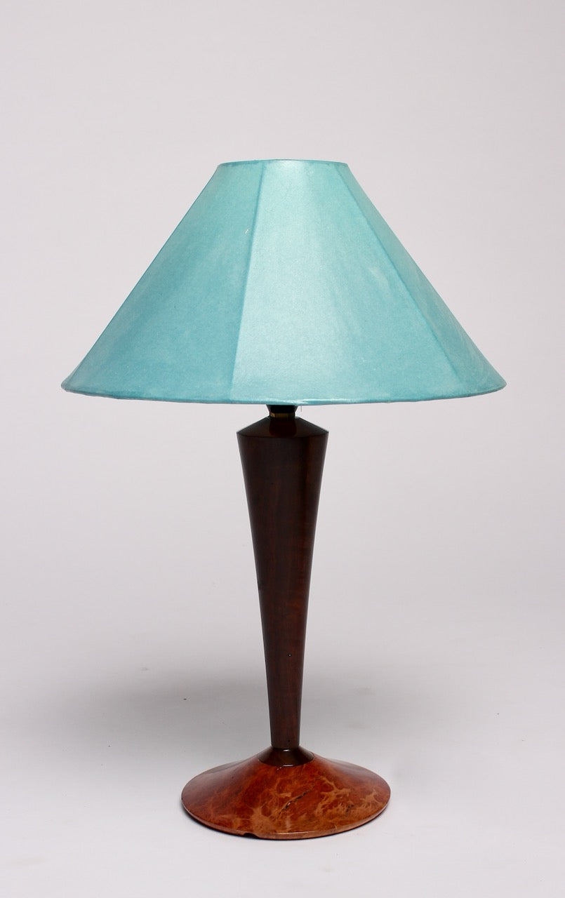 SMALL FLARED STEM LAMP BASE