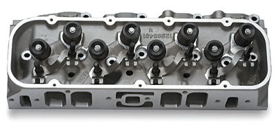 The same GMPP heads used on the 572 crate engines can be yours by ordering PN 12499255 (hydraulic roller lifter valvesprings) or PN 88961160 (mechanical roller lifter valvesprings). They come with modest 310-cc intake ports that produce outstanding low-end power on the street, 118-cc chambers, and 5/8-inch raised exhaust port exits. (Photo Courtesy GMPP)
