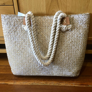 Seagrass basket with rope straps