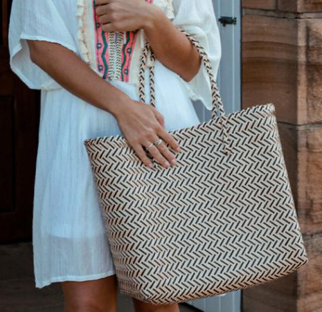 Rattan Black & white shopping tote