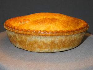 Hot eating meat and gravy pies