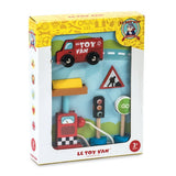 Le Toy Van Car & Petrol Pump Set