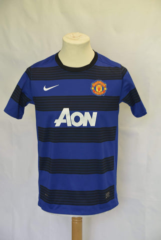 Manchester United 2010-2011 Away shirt. Size Child XL