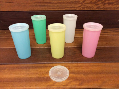 Tupperware jug and beakers with lids