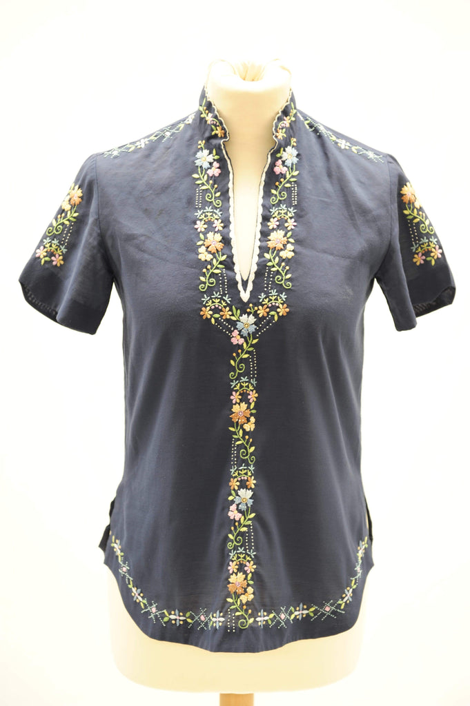 Vintage 1950s hand embroidered mandarin top
