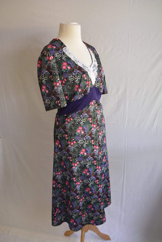 Vintage 1970s plus size floral day dress