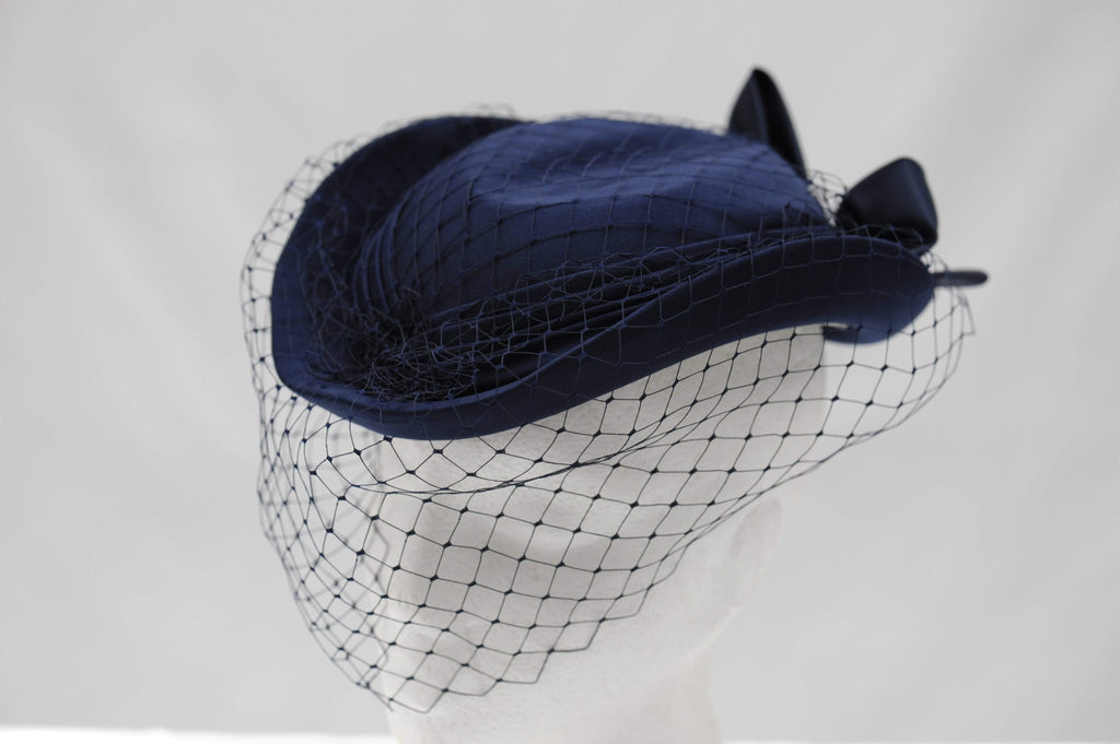 Vintage riding pillbox hat with veil