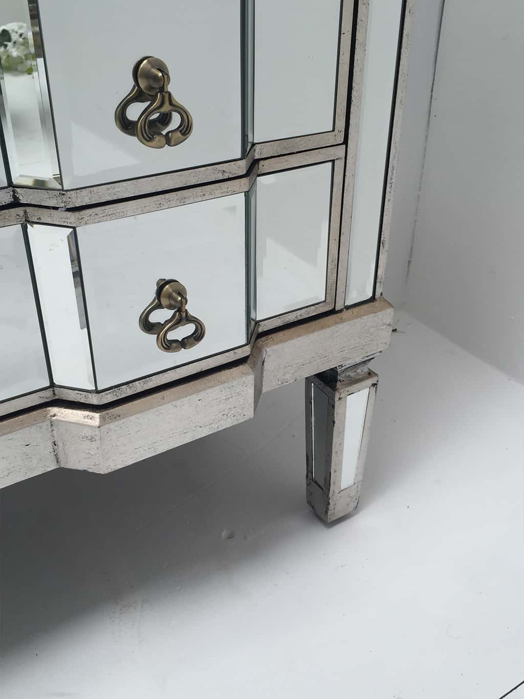 Charleston mirrored chest of drawers