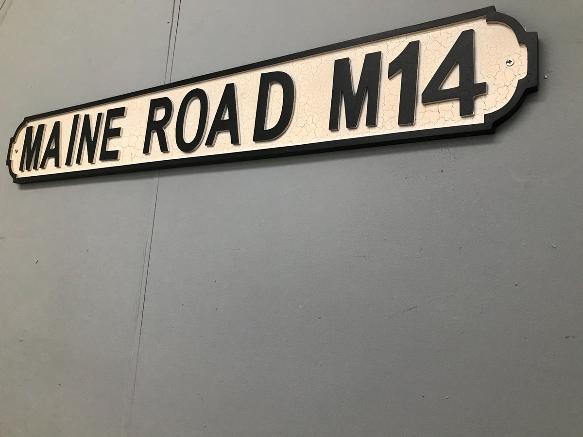 Maine Road M14 Street Sign