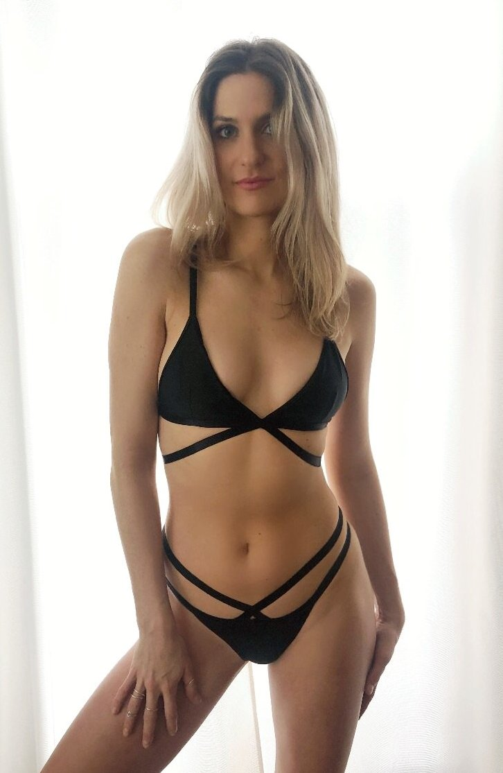 Sonja Strappy Bamboo Thong