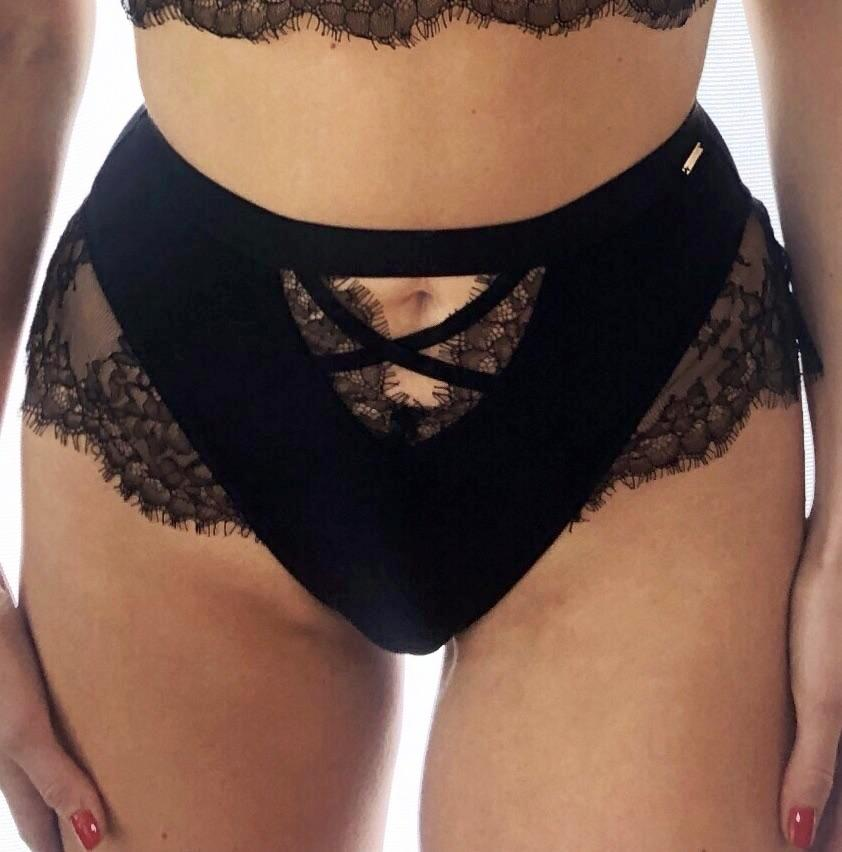 Nyané High-Waist Brief