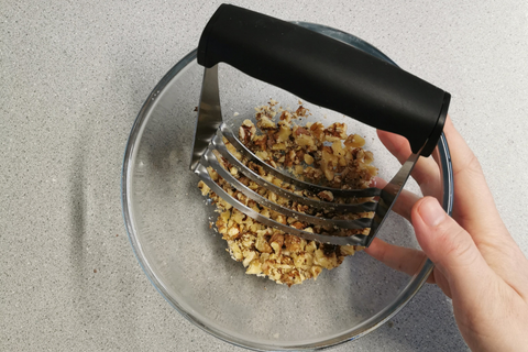 pastry blender with walnuts