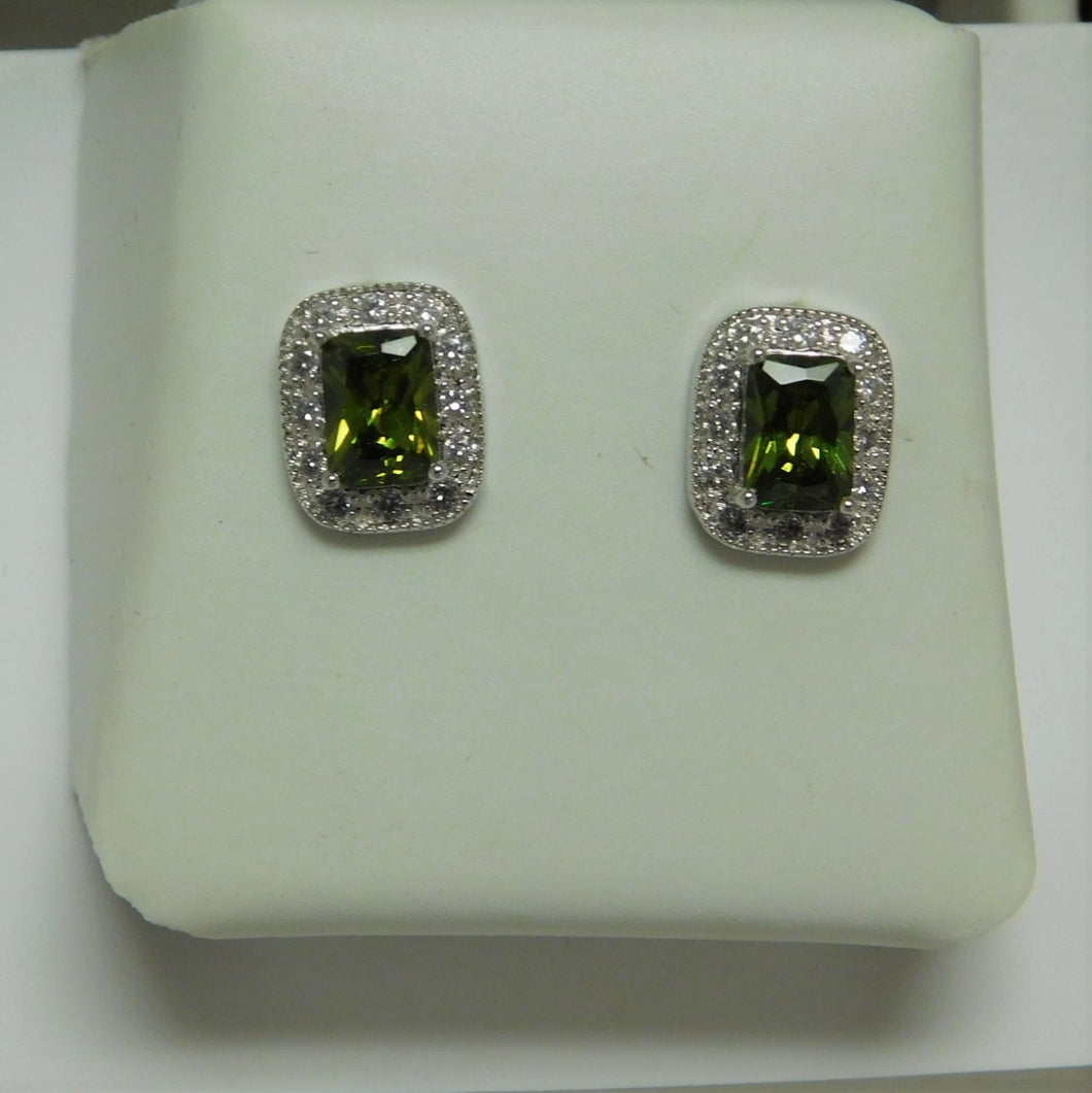 Sterling Silver Peridot Color Earring