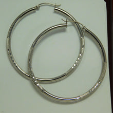 Load image into Gallery viewer, Sterling Silver Diamond Cut Hoop Earring