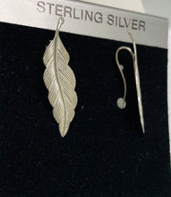 Load image into Gallery viewer, Sterling Silver Leaf Design Earrings.
