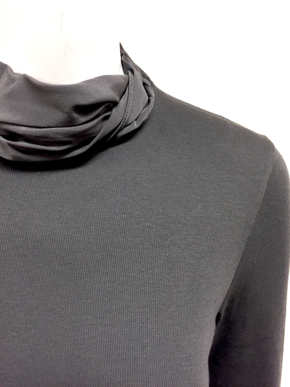 RIVAMONTI by BRUNELLO CUCINELLI New with Tags Graphite-Gray Cotton-Blend Silk Neckline T-Shirt Top  Size: M/L