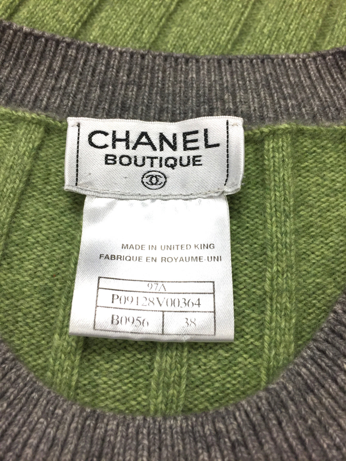 bisbiz.com CHANEL Green Rib-Knitted Cashmere Gray Trim Short Sleeve Sweater Top Size: FR 38 / US6 - Bis Luxury Resale