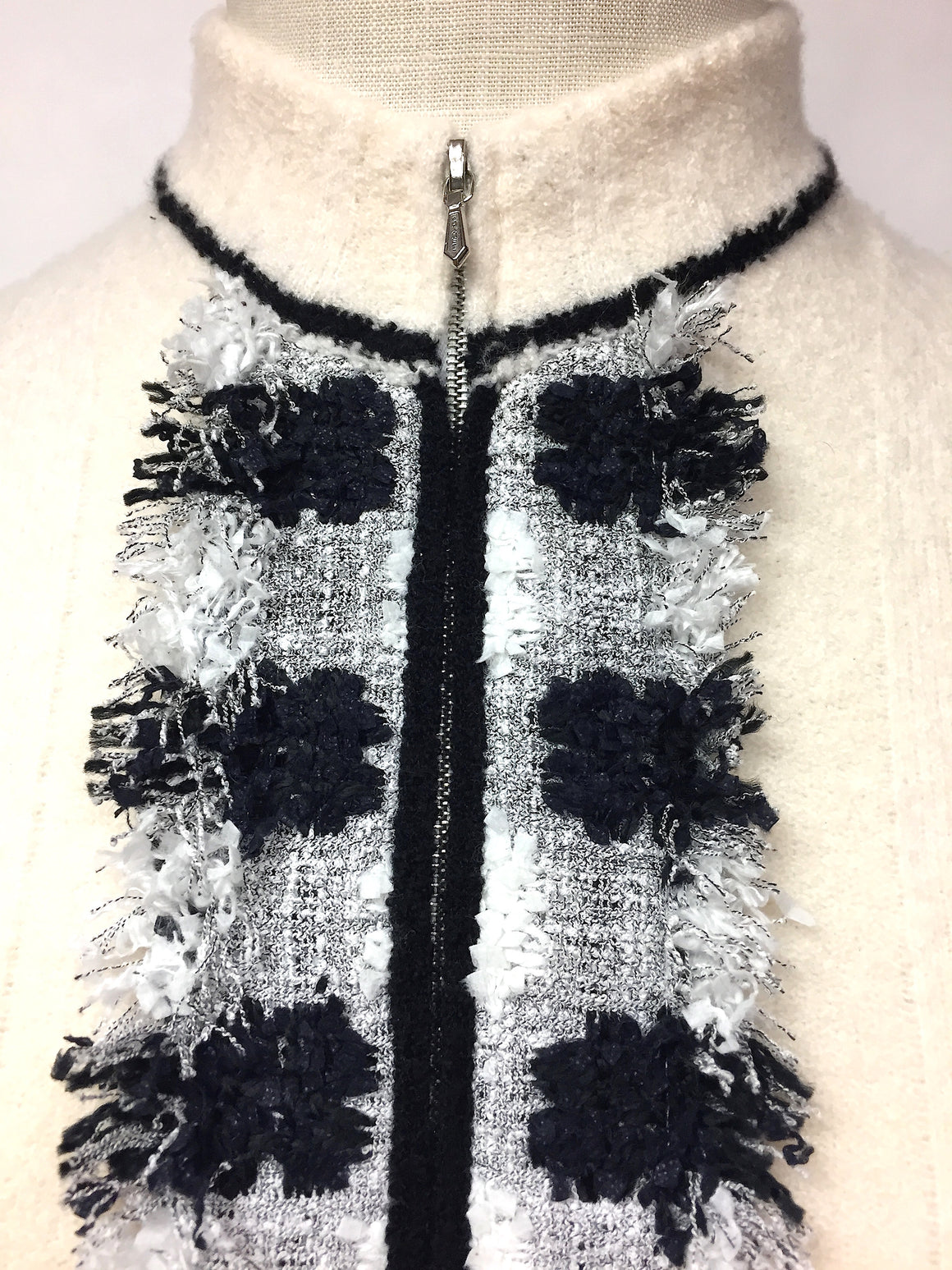 CHANEL Vintage Ivory Cashmere Blend Black/Gray Frayed Trim Zip-Front Cardigan Sweater Size: FR 38 / US6
