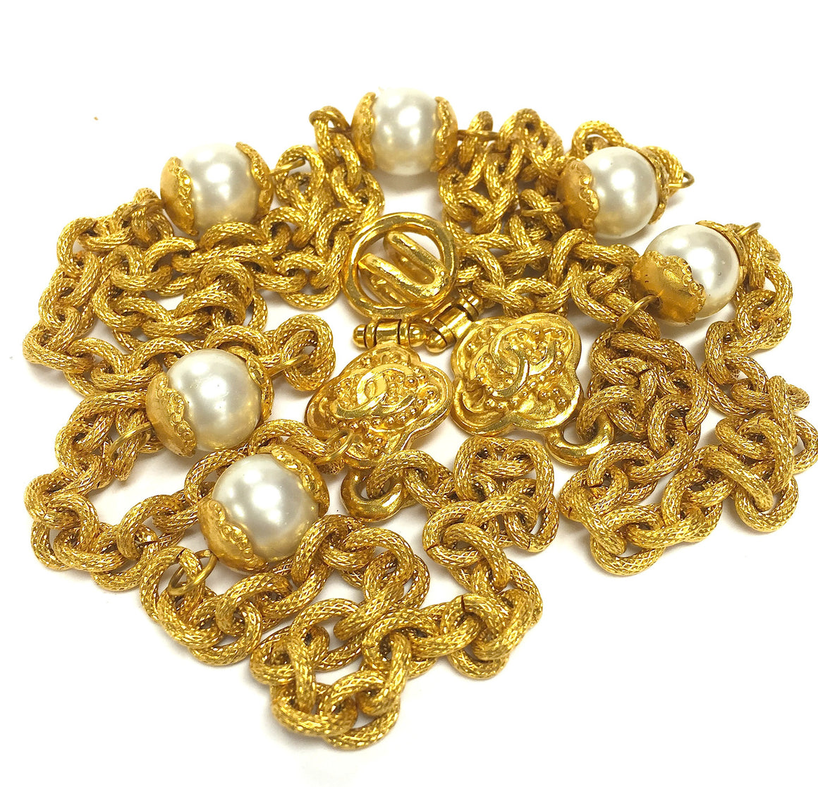 bisbiz.com CHANEL  Vintage Autumn '96 Gilt Metal Chain Link & Pearl Necklace Sautoir - Bis Luxury Resale