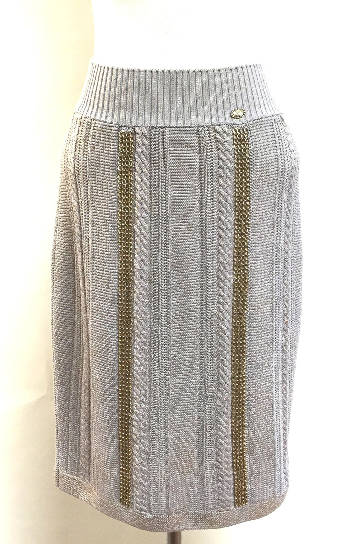 bisbiz.com CHANEL Spring '08 Pale-Gray Fantasy-Knit Skirt w/Gold Chain Embellishment  Size: 38/6 - Bis Luxury Resale
