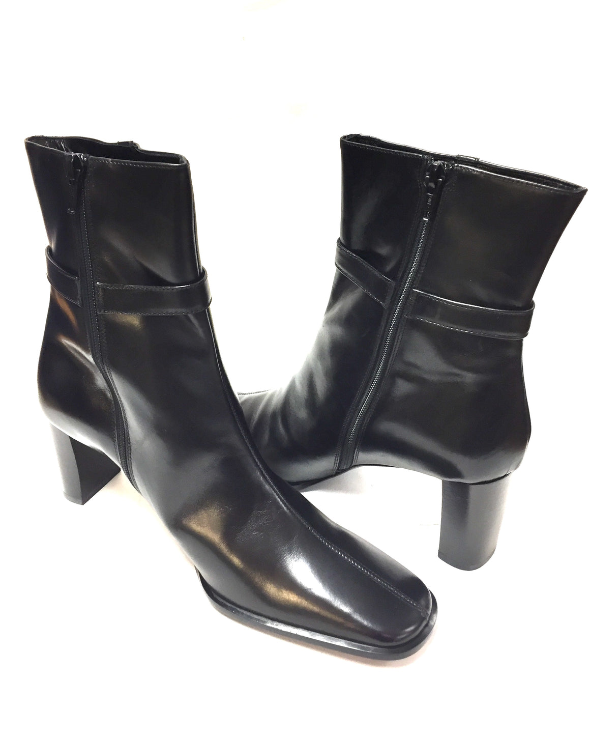 COACH New in Box Black Glossy Leather Mid-Heel Ankle Boots Booties Size: 8.5