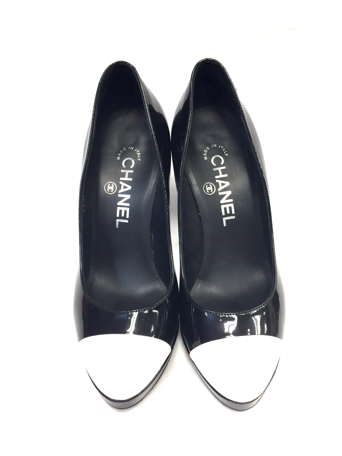 CHANEL Black Patent White Cap-Toe Sculpted Hi-Heels Platform Classic Pumps Shoes Size: 36 / 6