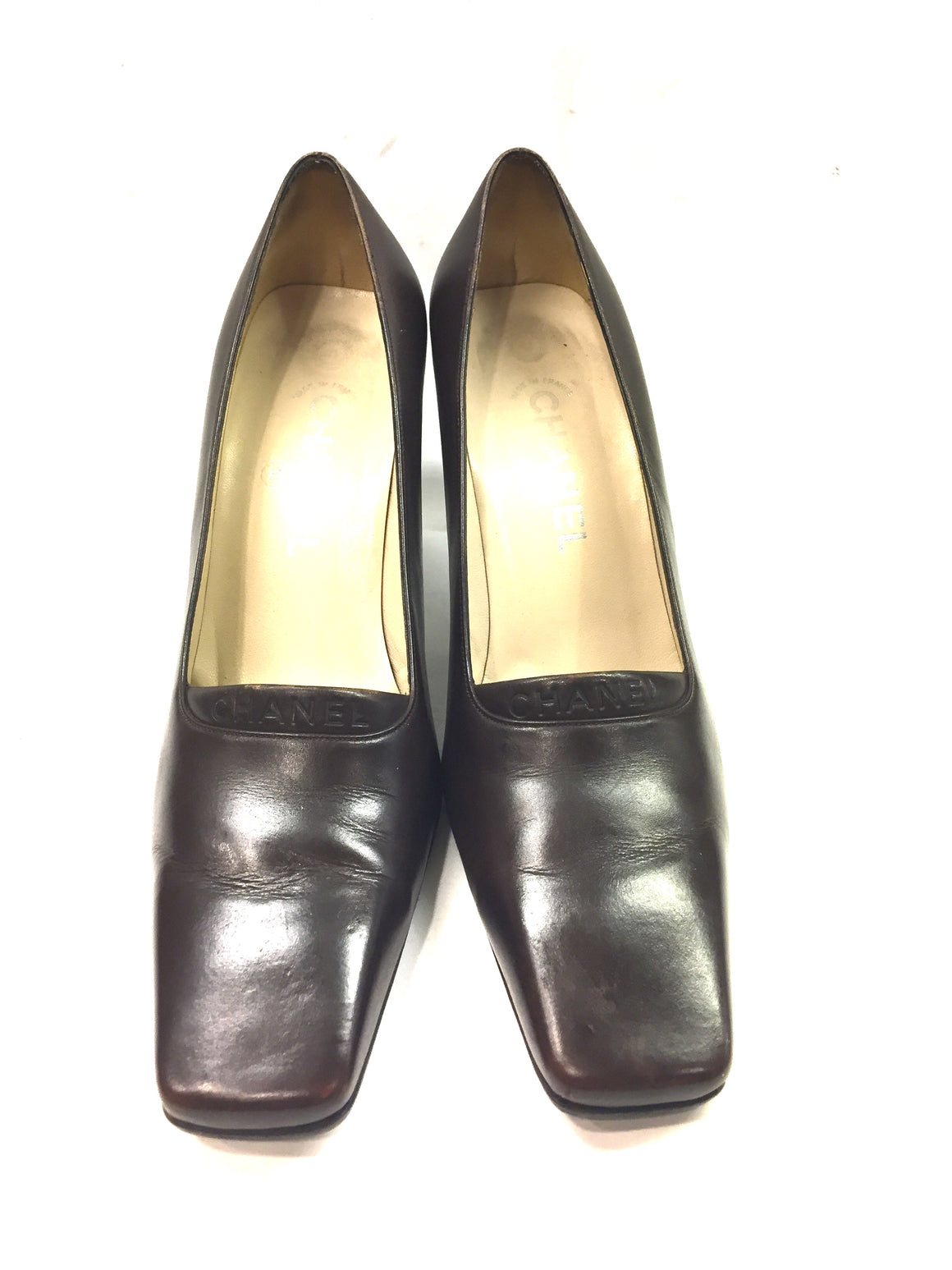 CHANEL Brown Leather Molded Acrylic Logo Heels Pumps Shoes Sz39