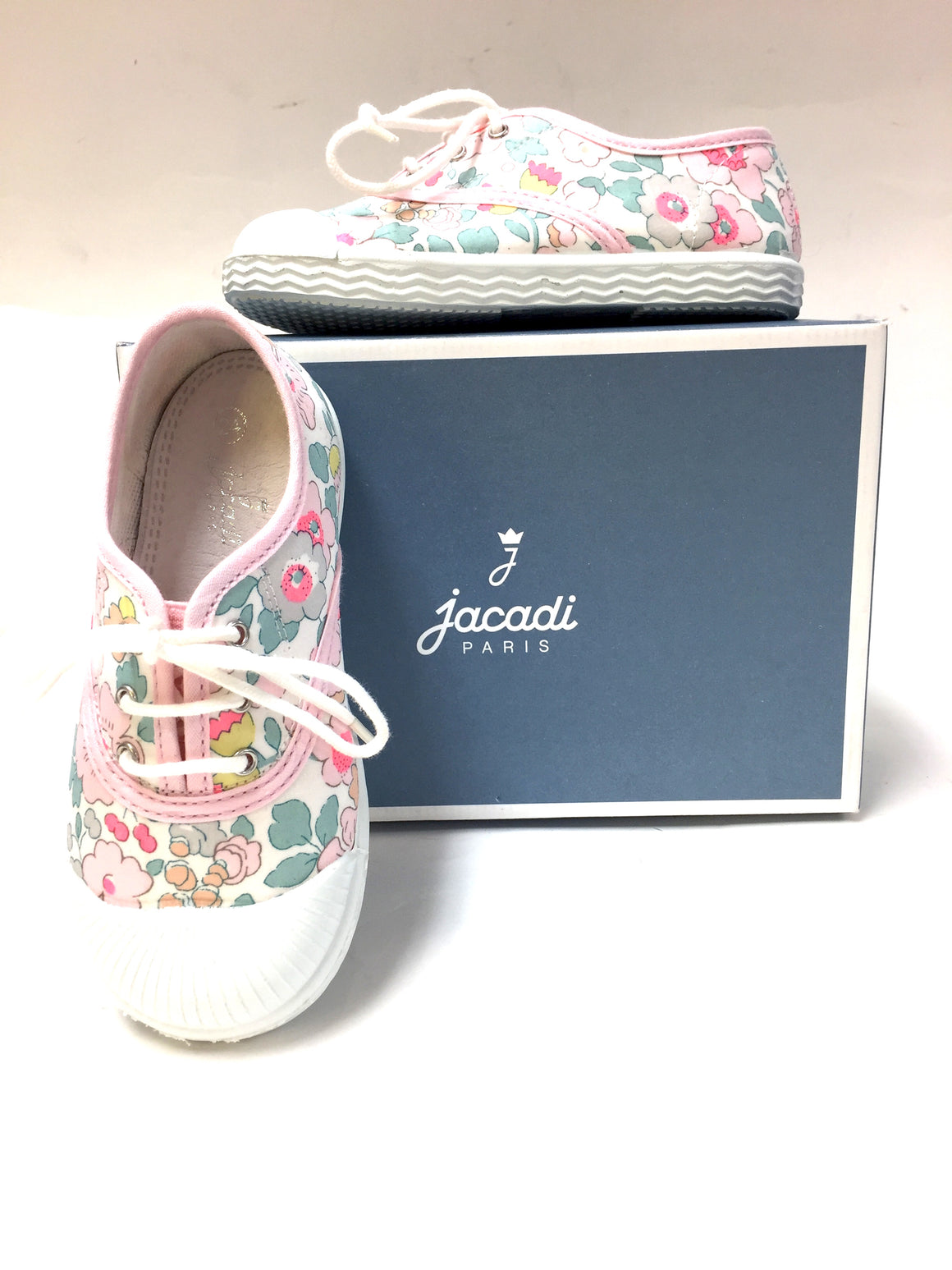 bisbiz.com JACADI PARIS  White/Multicolor Floral Canvas Girls' Sneakers Shoes Size: 24 - Bis Luxury Resale