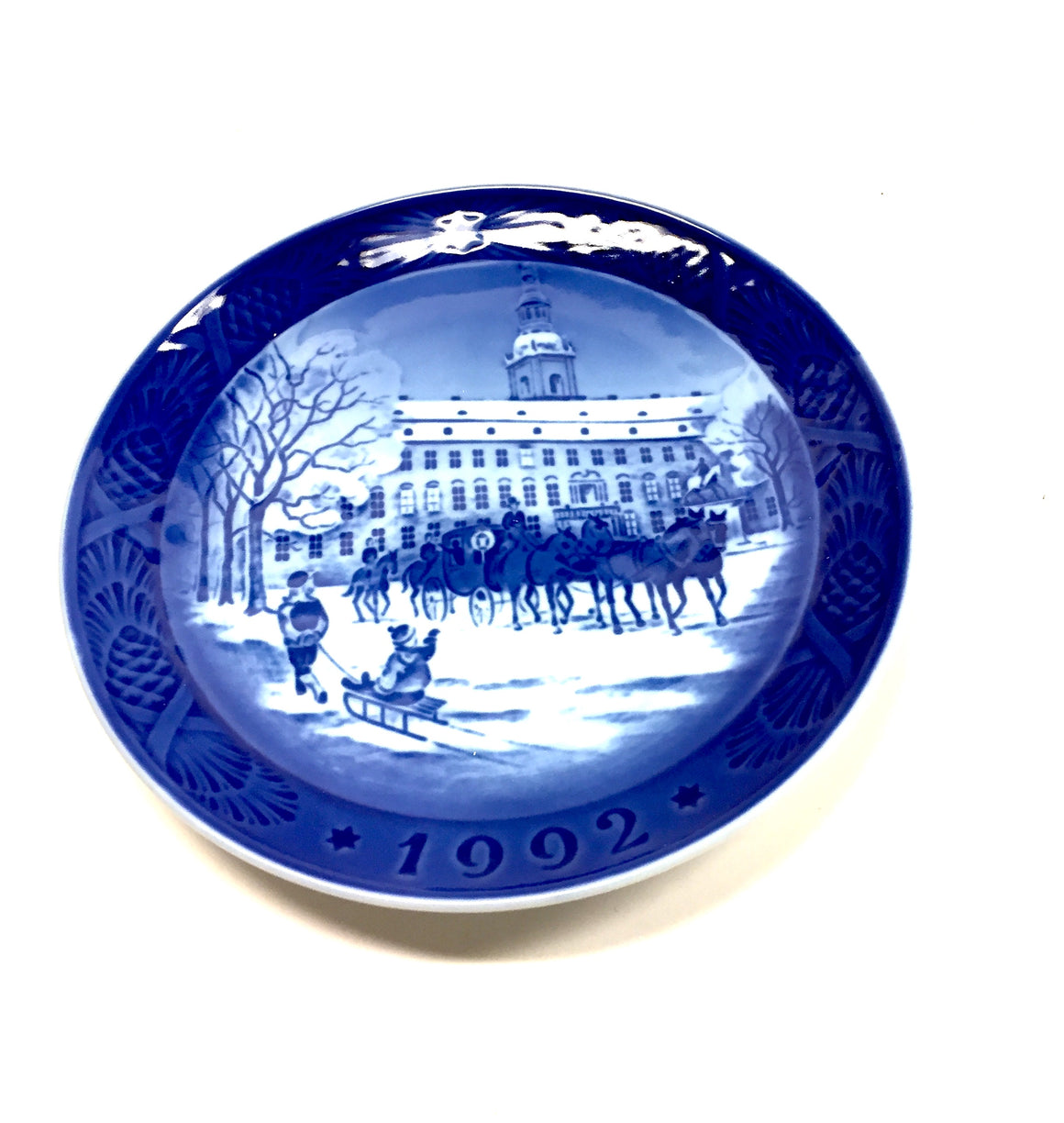 "New ROYAL COPENHAGEN Blue & White ""The Royal Coach"" Decorative Collector's Porcelain Plate"