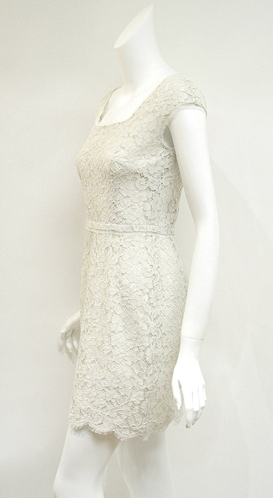 DOLCE & GABBANA New with Tags Ivory Lace Sleeveless Dress  Dress Size: IT42 / US6