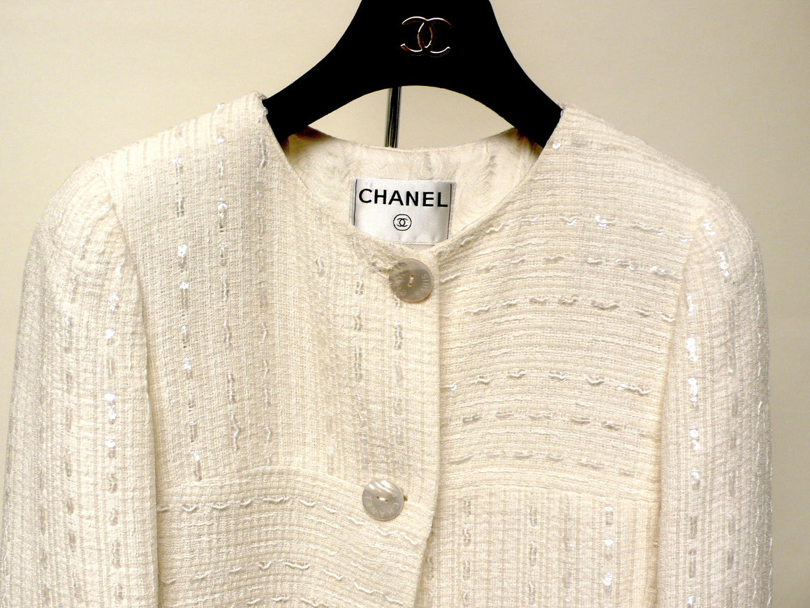bisbiz.com CHANEL Vintage  Cream-White Sequined & Shimmery Mixed-Fibers Collarless Dress Jacket Size: FR 38 / US4/6 - Bis Luxury Resale