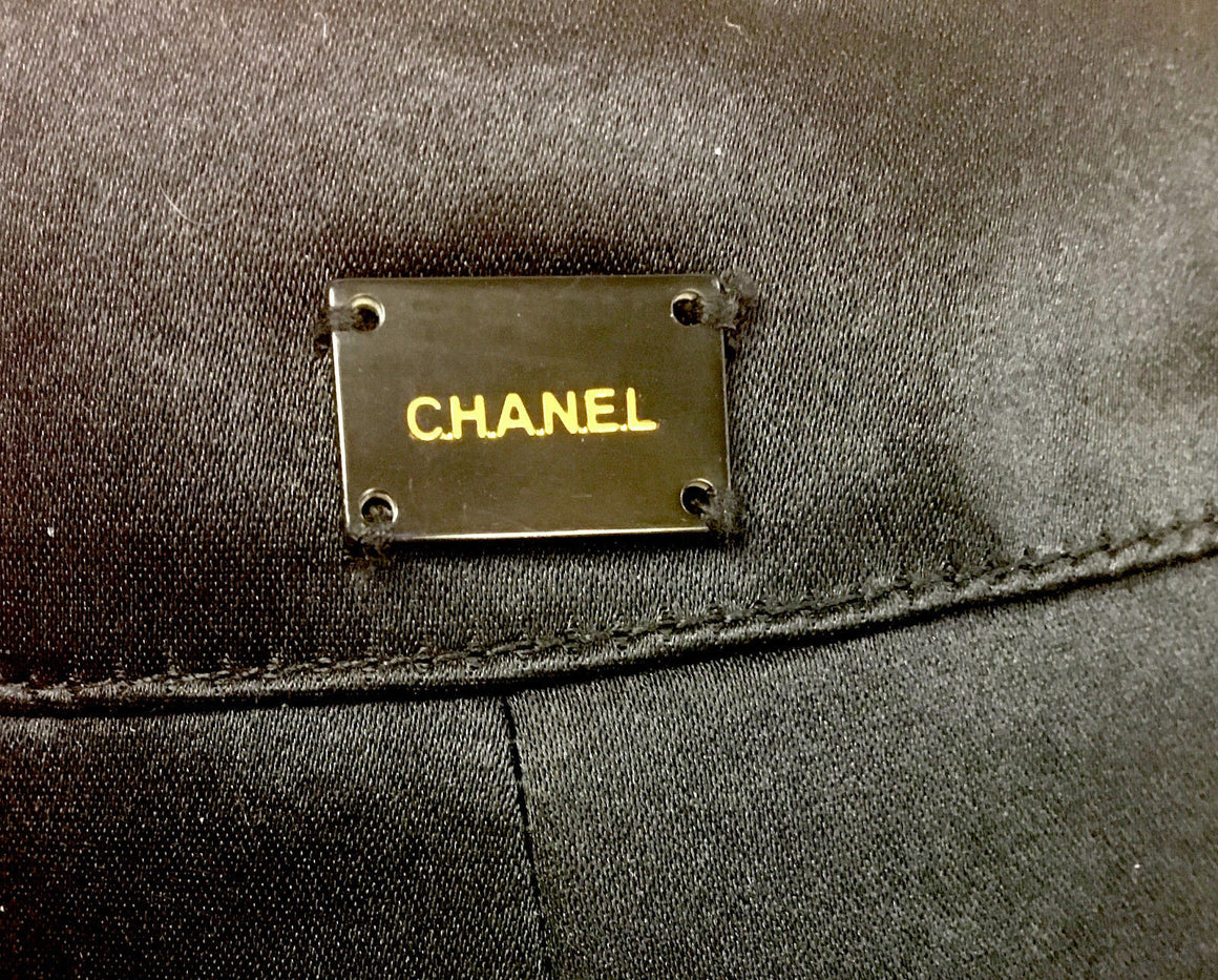 bisbiz.com CHANEL Black Silk Satin Zip-Pockets Flutter-Bottom Skirt Size: US 6 - Bis Luxury Resale