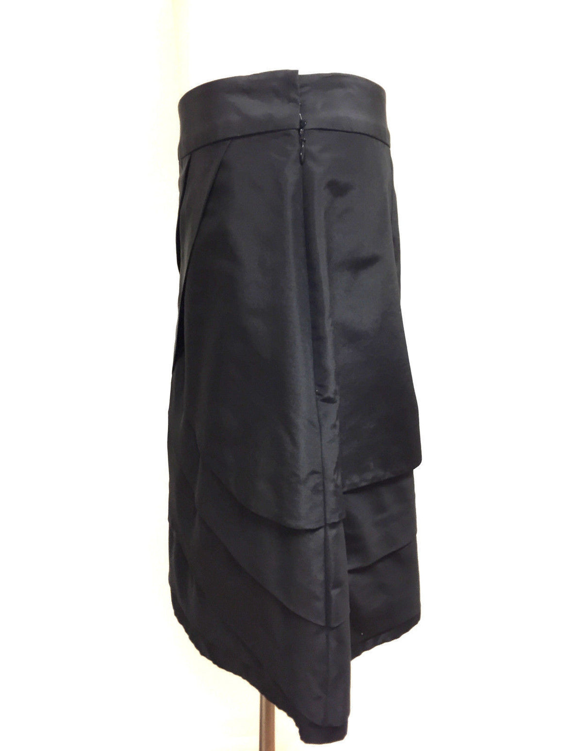 bisbiz.com LELA ROSE  Black Silk Taffeta Tiered Front A-Line Skirt  Size: 8 - Bis Luxury Resale