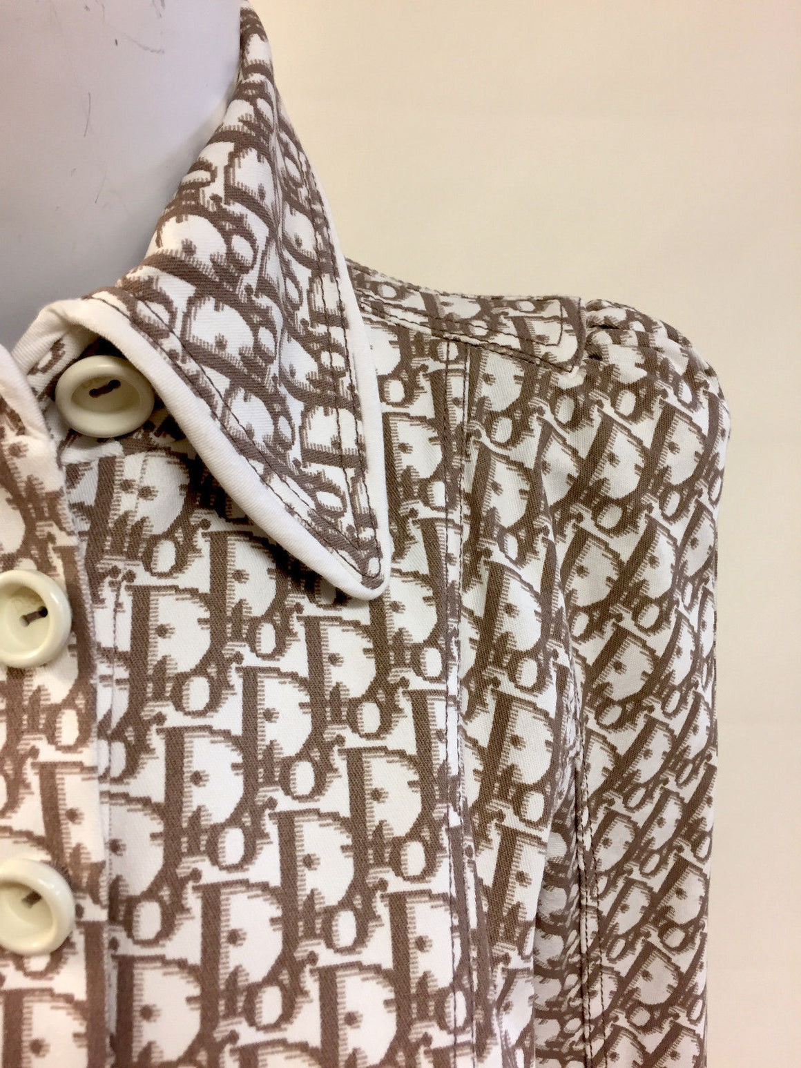 bisbiz.com CHRISTIAN DIOR   White/Brown Logo-Print Dress Jacket  with Multicolor Floral Embroidery  Size: FR40/US8 - Bis Luxury Resale