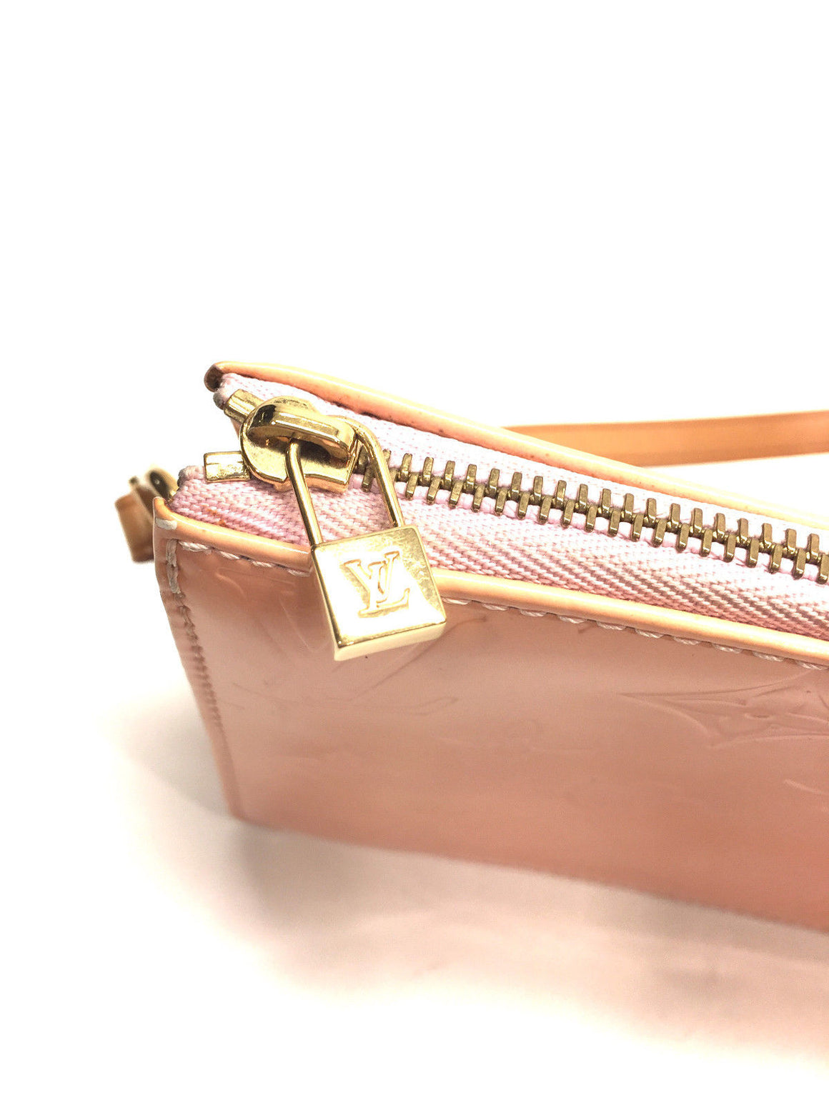 LOUIS VUITTON  Coral-Pink Monogram Vernis LEXINGTON  Pochette Bag Wristlet