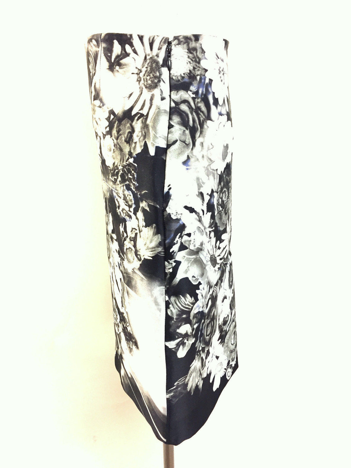 bisbiz.com PRADA Black/Multicolor Floral Print Silk-Blend Pencil Skirt Size: 36 / US 4 - Bis Luxury Resale