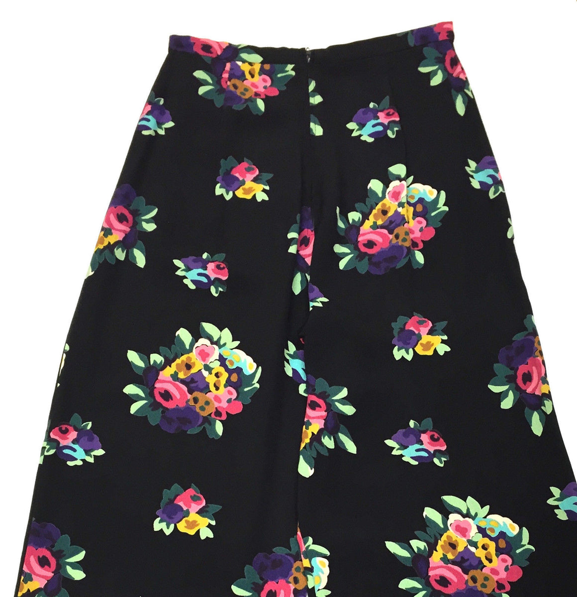 bisbiz.com BETSY JOHNSON Black/Multi-color Floral-Print Wide Leg Casual Pants Size: Small - Bis Luxury Resale