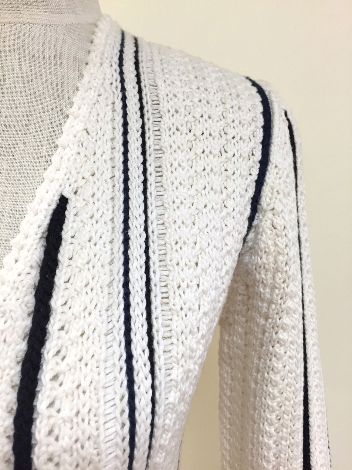 bisbiz.com CHANEL   Spring 2006  White/Black Cotton/Cashmere Knit Jacket Cardigan  Size: 38/6 - Bis Luxury Resale