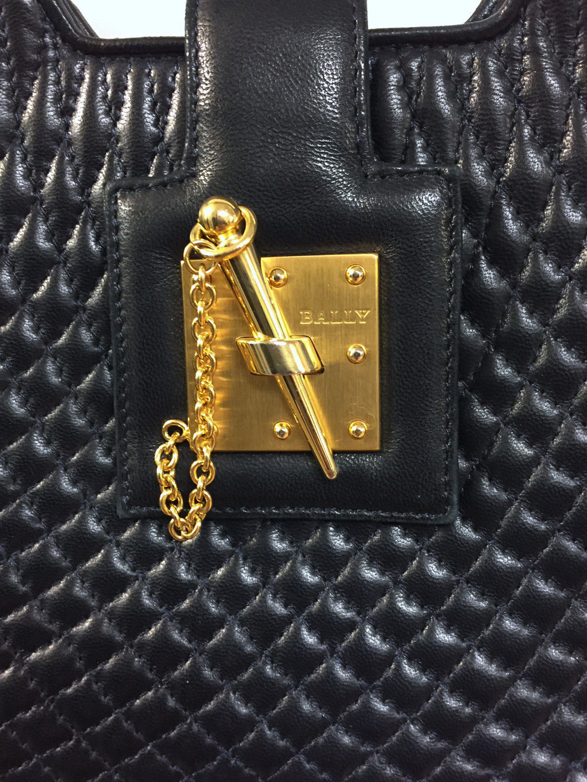 bisbiz.com BALLY Midnite-Blue Micro Diamond-Quilted Leather Toggle-Closure Bag - Bis Luxury Resale