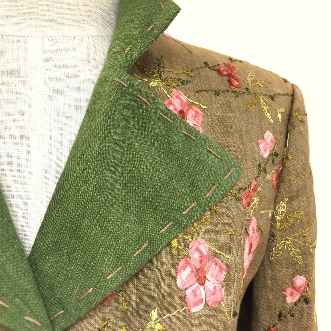 "bisbiz.com KLEIDER / HABSBURG  Wheat Linen Multicolor Floral Embroidery  ""Adrianna"" Dress Suit Jacket  Size: 6 - Bis Luxury Resale"