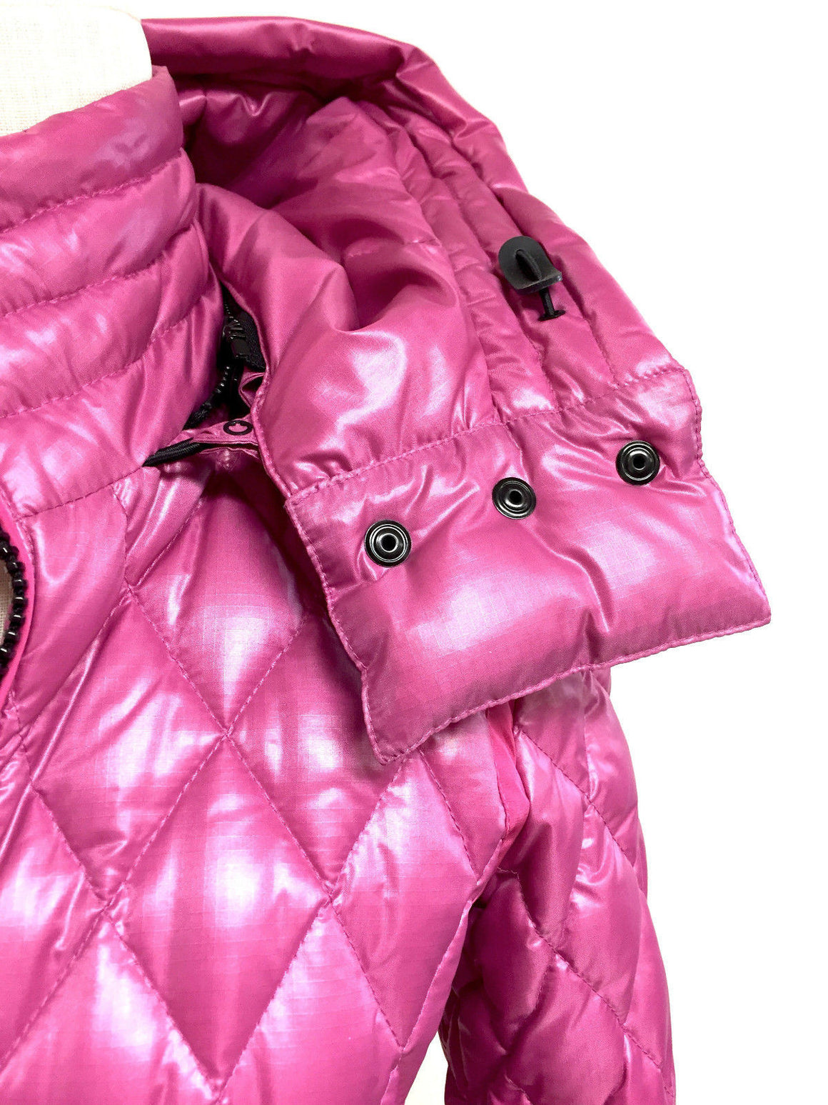 bisbiz.com AUTHIER / CERVINIA Fuchsia Diamond-Quilted Down Hooded Puffer Ski Jacket  Size: 42 / 6 - Bis Luxury Resale