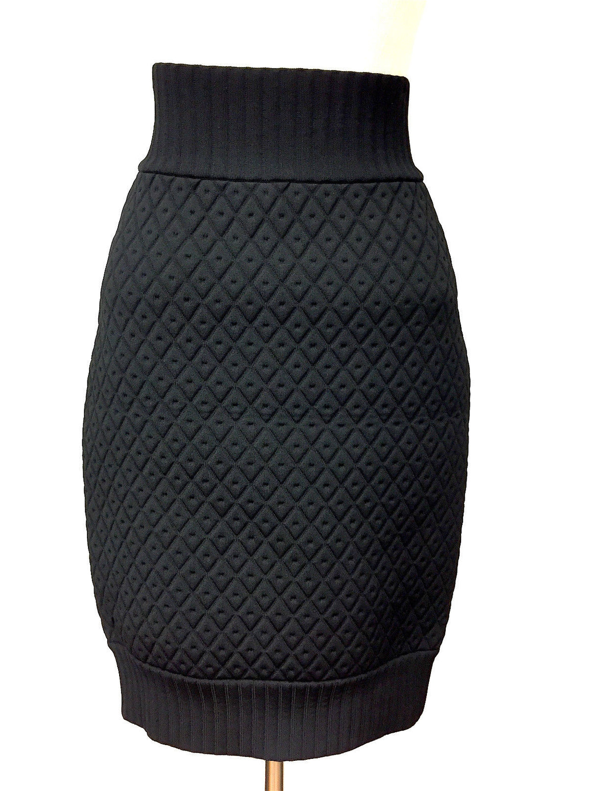 bisbiz.com CHANEL Black Diamond-Quilted Viscose-Blend Knit Tulip Skirt Size: EU34 / 4 - Bis Luxury Resale