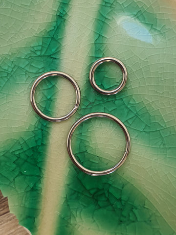 Titanium Hinged Clicker Ring