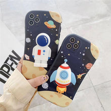 Load image into Gallery viewer, Korean Fashion Creative 3D Astronaut Soft Casing
