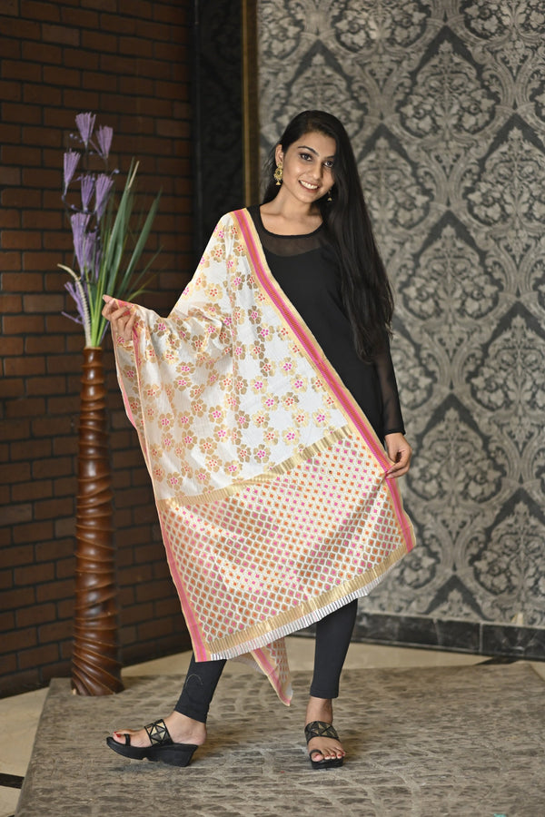 Women's Pink Golden Jacquard Royal Silk Dupatta with Golden Border