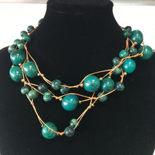 Load image into Gallery viewer, Tagua Jewellery - Green Necklace